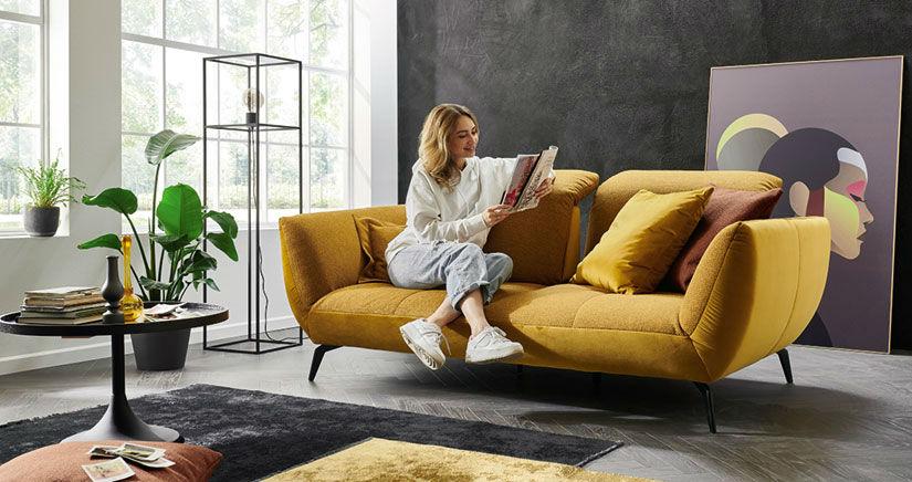 Модерен триместен диван