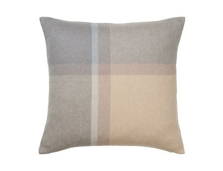 Декоративна възглавница - цвят натур