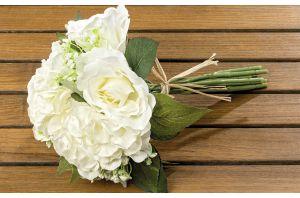 Букет бели рози