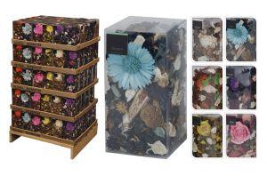 Декоративни цветя в кутия